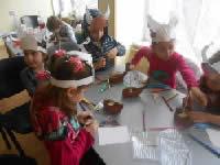 дети выполняют задание викинги
